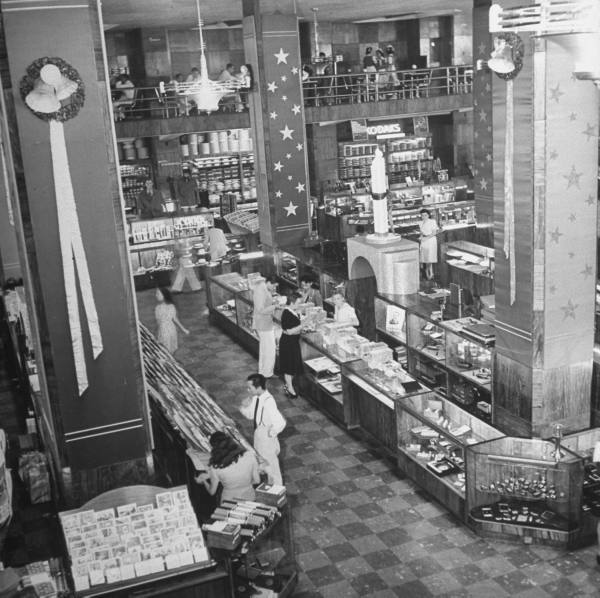Interior of Heacock's-1941
