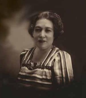 Lola Aurora Busto de Zaragoza