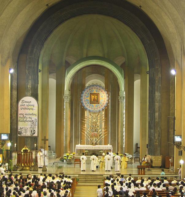 Baclaran Church-altar