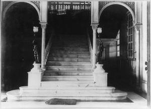 Ynchausti Mansion-stairway