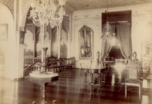 Ynchausti mansion-interior