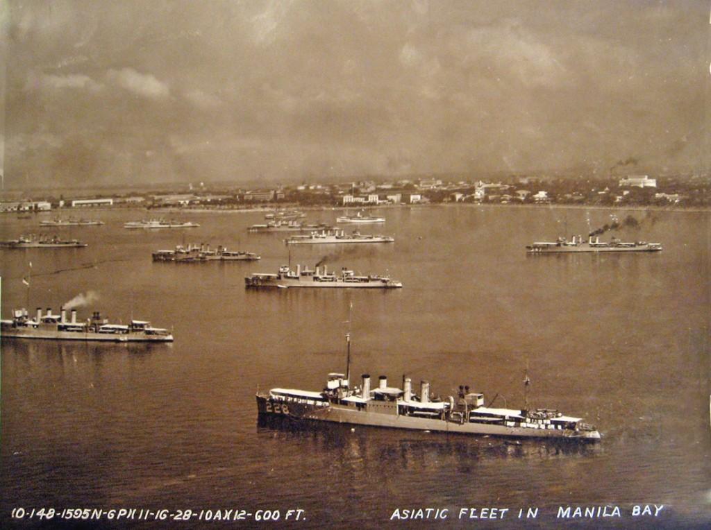 Asiatic Fleet in Manila Bay-1930s-s