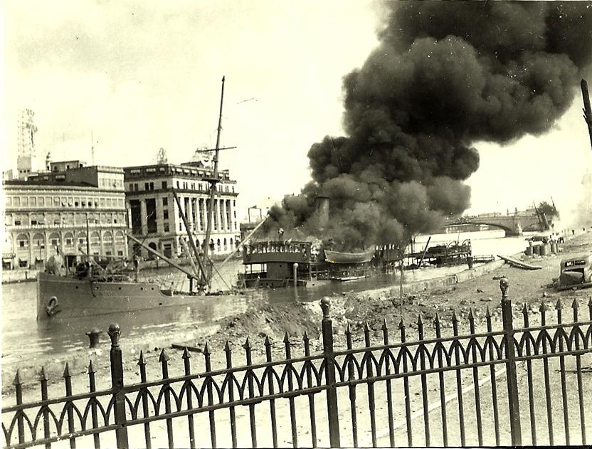 Japanese bomb Manila - Dec.1941