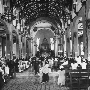 Quiapo Church service-1941