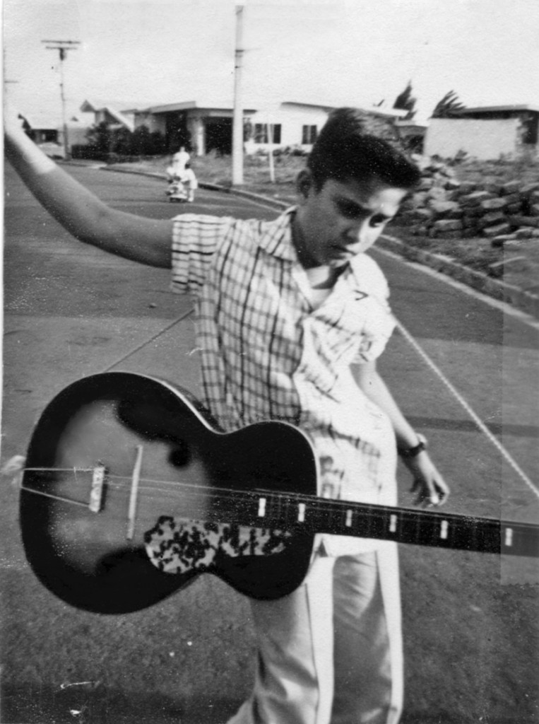 Lou and his guitar in San Lorenzo