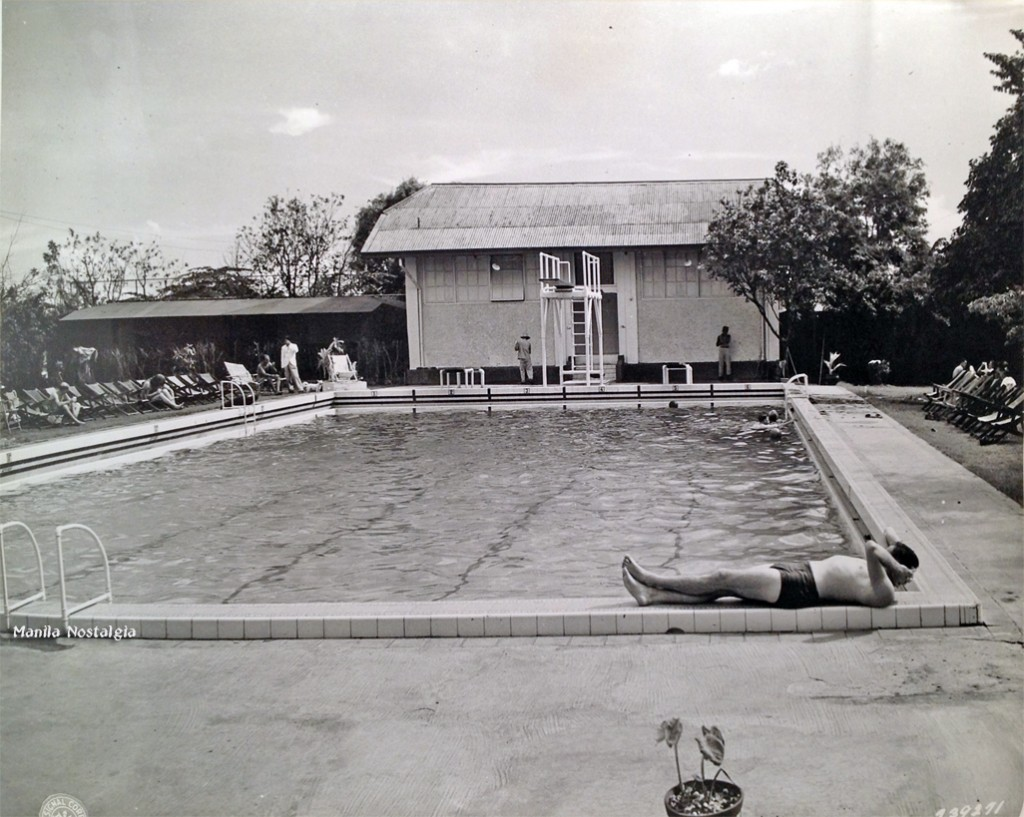 Relaxing by the pool - 1946