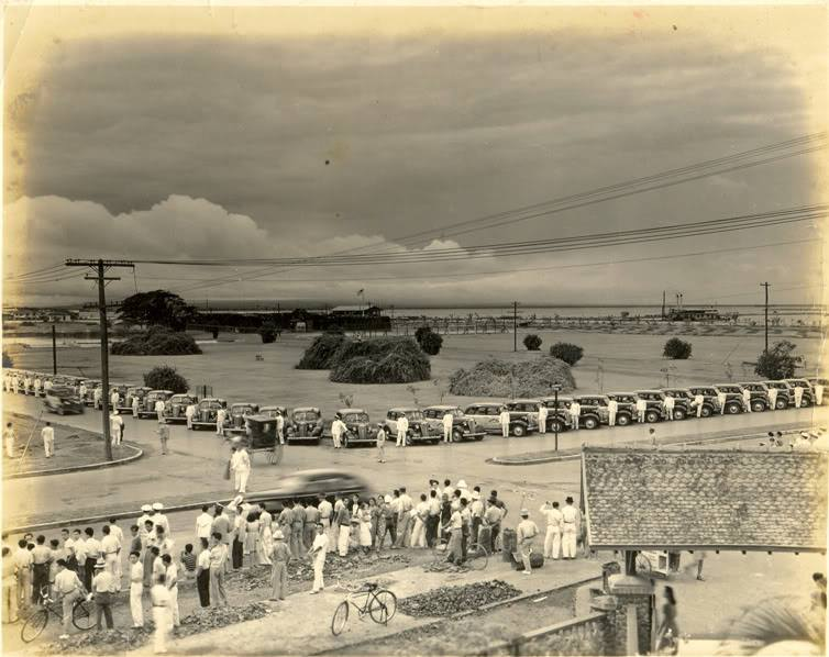 A display of Yellow Taxis parked on Cortabitarte-1930s