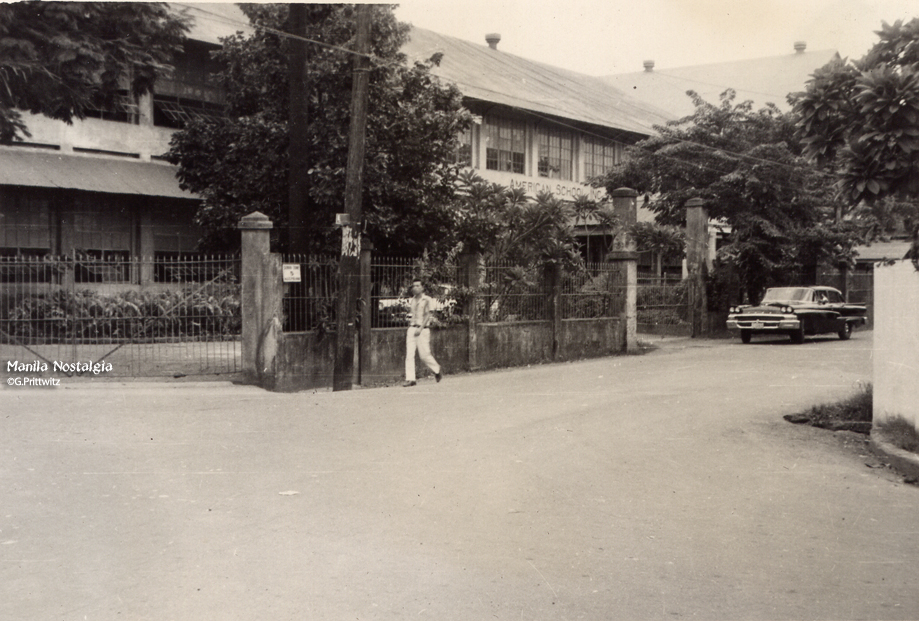 American School-Donada-front entrance 1958 (courtesy G. Prittwitz)