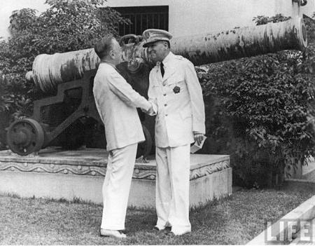 President-Manuel-Quezon-and-General-Douglas-MacArthur