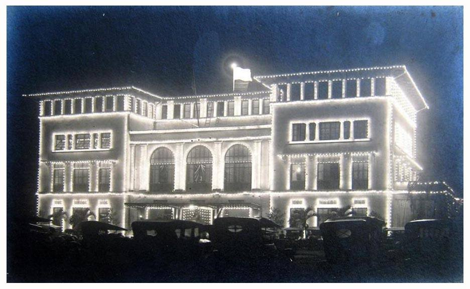 Elks Club lit up-1920 (courtesy Pinoy Kollector)