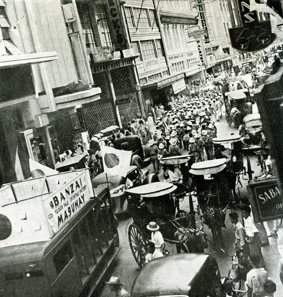 Escolta crowds hear that Corregidor falls on May 6, 1942