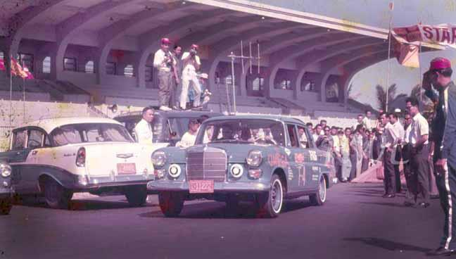 Auto Rally start at the Luneta grandstand-1966