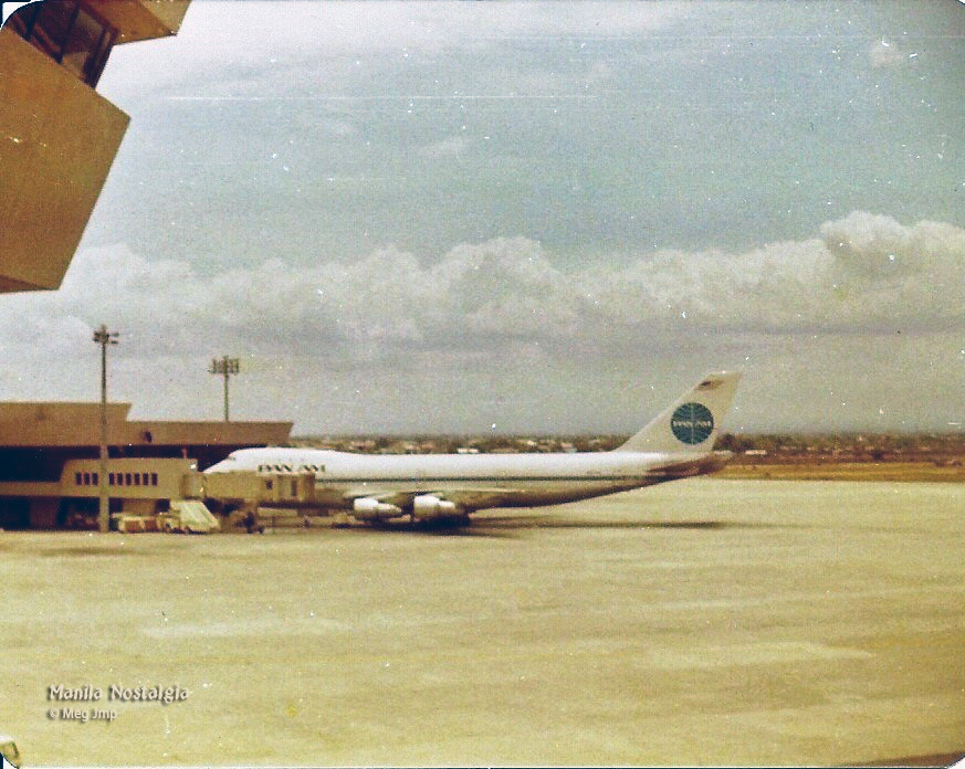 Pan Am at Gate 14-1981 (photo by: Meg Jmp)